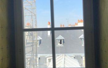Chantier Rue d'Anjou Versailles : fenêtres bois, pose en tunnel